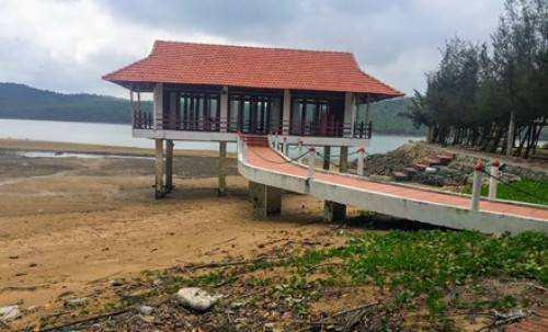 Illegal Resort Bai Tu Long Bay