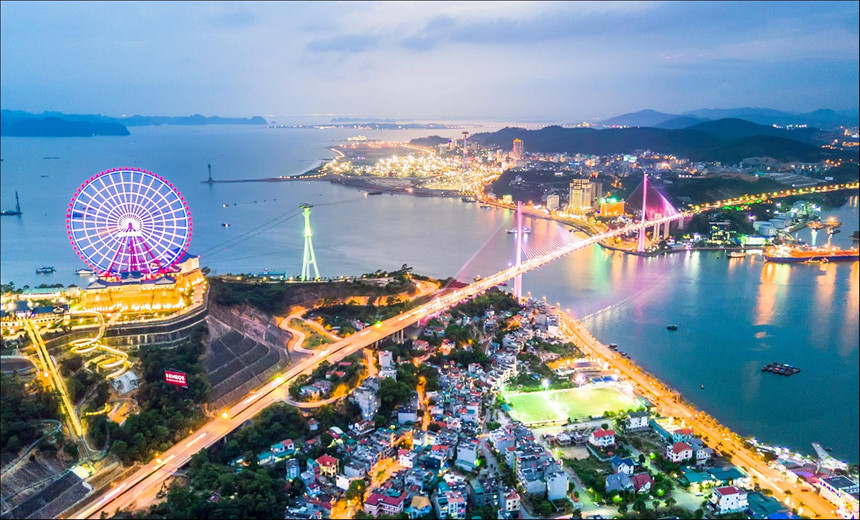 """Ha Long Bay- A beautiful heritage to 'Impression of Vietnam"""""""