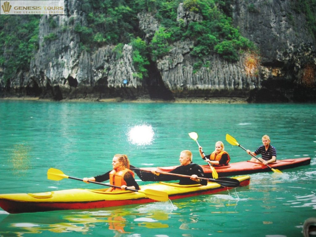 Kayaking to explore Lan Ha Bay