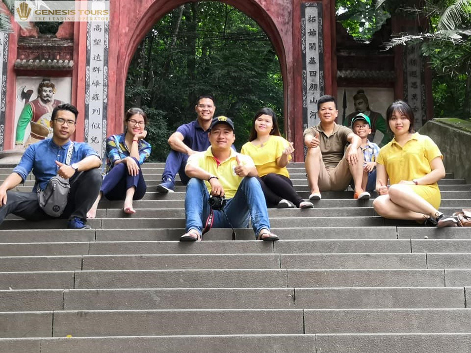 Genesis's pilgrimage to Hung Temple